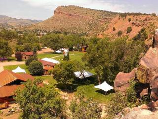 Stunning serenity in the heart of Lyons - Lyons vacation rentals