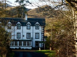 En-suite Single Room in Victorian guest house - Kilmartin vacation rentals
