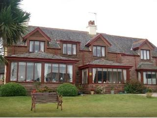 Bright 9 bedroom House in Brodick - Brodick vacation rentals