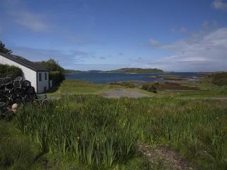 Beautiful 2 bedroom Bunessan House with Internet Access - Bunessan vacation rentals