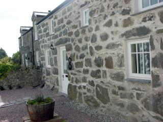 Bryn Aber Bach, a cosy stone cottage for 4 - Chwilog vacation rentals