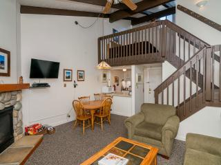 """Badgers Loft""  Yosemite West Loft Condo - Sleeps 6 People! - Yosemite National Park vacation rentals"