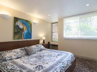Comfortable House with Internet Access and Washing Machine - Kahuku vacation rentals