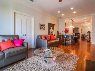 Elegant condo with a balcony, close to the river in the heart of downtown! - Savannah vacation rentals