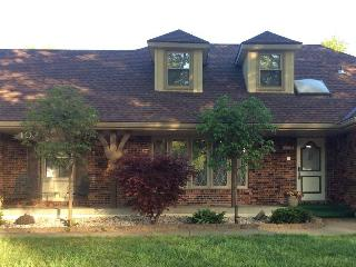 Charming House with Central Heating and Television - Lee's Summit vacation rentals