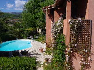 Spacious 4 bedroom Le Rouret Villa with Internet Access - Le Rouret vacation rentals