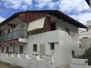 Nice House with Patio and Central Heating - Frigole vacation rentals
