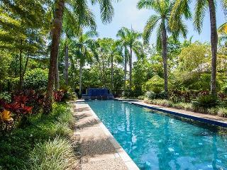 Beautiful House with Internet Access and A/C - Port Douglas vacation rentals