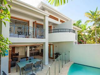 Perfect Villa with Deck and Internet Access - Port Douglas vacation rentals