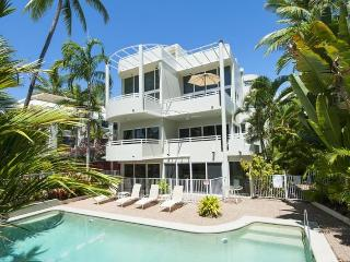 Tranquil Retreat Penthouse - Port Douglas vacation rentals