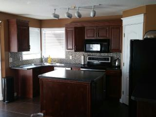 Beautiful 3 B/R House In Elegant Scenic Acres NW - Calgary vacation rentals