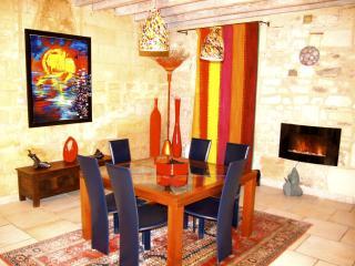 Amazing Terrace Views, Historic, Arty, City Centre - Arles vacation rentals