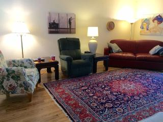 Convenient Elk Grove/ Laguna Location - Elk Grove vacation rentals