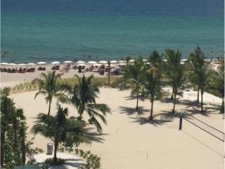 Ocean front beautiful 2 bdr/2bth sleeps 6  (Sian) - Hollywood vacation rentals