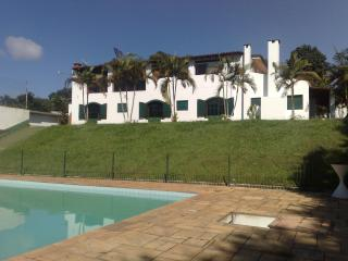 Bright 6 bedroom Cottage in Cotia - Cotia vacation rentals