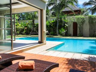 Adorable 3 bedroom Bang Tao Beach Villa with A/C - Bang Tao Beach vacation rentals