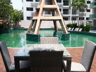 Club Royal - Nice studio apartment near the beach - Pattaya vacation rentals