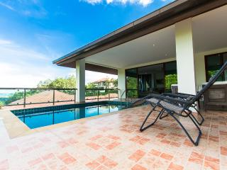 Lovely 5 bedroom Chalong Bay Villa with Internet Access - Chalong Bay vacation rentals