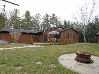Pinetrail Place cottage (#1036) - Lambton Shores vacation rentals