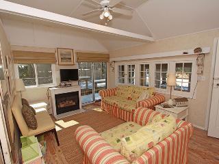 Beach Hideaway cottage (#1039) - Sauble Beach vacation rentals