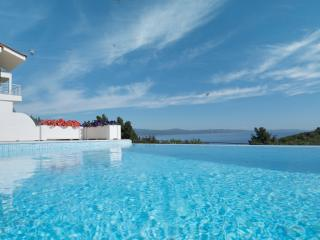 Xalonia Villa & Pool - Agios Nikolaos vacation rentals