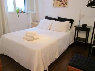 Apartamento Gran Via Barco, Quiet  And Central - Madrid vacation rentals
