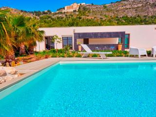 Sciacca villa with pool and sea view - Sciacca vacation rentals