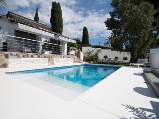 LUXURY VILLA NEAR PUERTO BANUS AND GOLF VALLEY - Nueva Andalucia vacation rentals