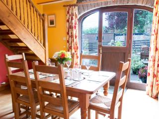 3 bedroom House with Housekeeping Included in Llangattock - Llangattock vacation rentals