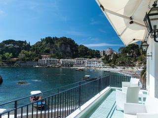 RESIDENCE DEGLI AGRUMI MARE, Vulcano - Mazzarò vacation rentals