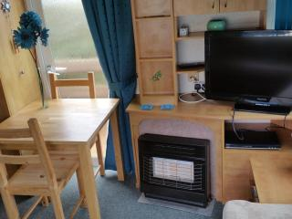 Beach Estate Hemsby 6 Berth 2 Bedroom Holiday Home - Hemsby vacation rentals