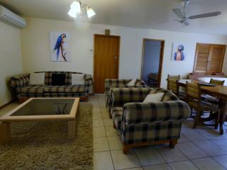 Adina Lodge - Superior Family Room - 1 - Bright vacation rentals