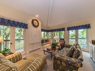 St. Andrews Common 1762, 2 Bedroom, Large Pool, Golf Views, Sleeps 7 - Hilton Head vacation rentals