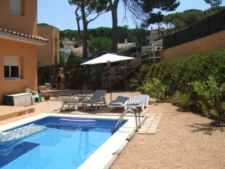Detached Villa with Private Pool, Air-con, Interne - Pals vacation rentals