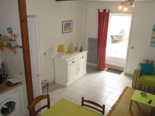 Bright 1 bedroom House in Medis - Medis vacation rentals