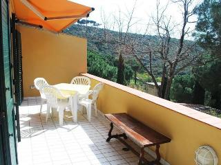 Beautiful Apartment with A/C and Balcony - Campo nell'Elba vacation rentals