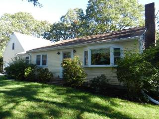 Centerville Home with Craigville Beach Pass ! - Centerville vacation rentals