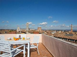 INTERNO 5 - the highest terrace of Siena - Siena vacation rentals