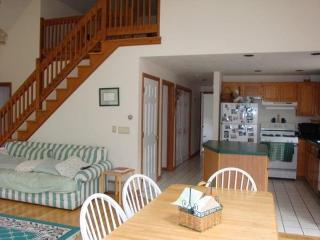 South Yarmouth 3 Bedroom in Peaceful area - South Yarmouth vacation rentals
