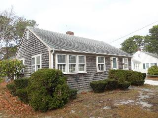 Dennis Port Cottage - Quick Walk to Beach! - Dennis Port vacation rentals