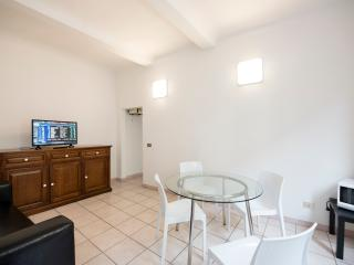 Nazionale apartment - Florence vacation rentals
