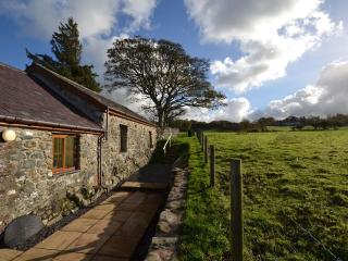 Lovely House with Garden and Parking - Tregarth vacation rentals