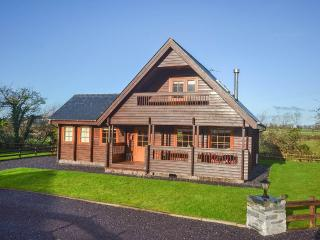 Gorgeous Cabin with Game Room and Television - Menai Bridge vacation rentals