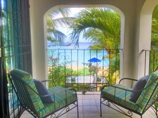 Affordable 4 bedroom villa right on the beach! - Paynes Bay vacation rentals