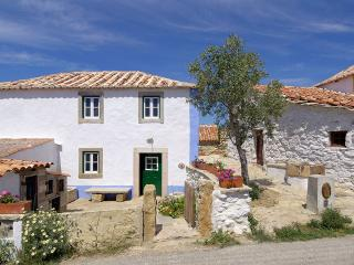 Aldeia da Mata Pequena (4 persons) - Mafra vacation rentals
