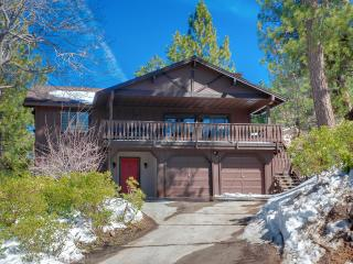 Luxury 4bedroom Cabin ! 'MANCAVE' , Walk to Summit! 5 minute drive to Lake and Village! - Big Bear Lake vacation rentals