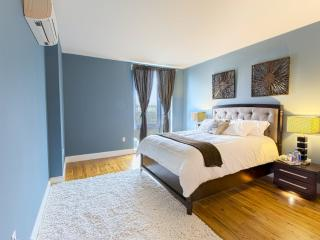 EXCELLENT 2 BEDROOM APARTMENT - New York City vacation rentals
