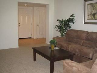 BEAUTIFULLY FURNISHED 1 BEDROOM APARTMENT - Thousand Oaks vacation rentals