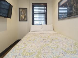 Beautiful 2 Bedroom Apartment - Long Island City vacation rentals