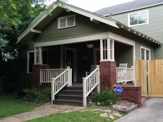 Charming 4 bedroom Houston House with Central Heating - Houston vacation rentals
